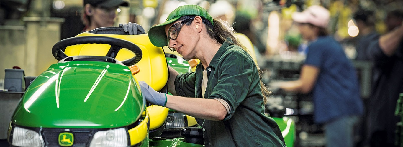 Husägare, fabrik, transportband, åkgräsklipare, utrustning, detalj