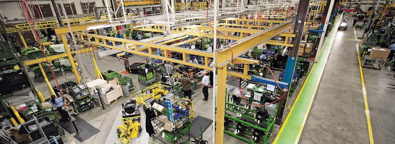 Fabriker i Augusta, Kompakttraktorer, Inredning