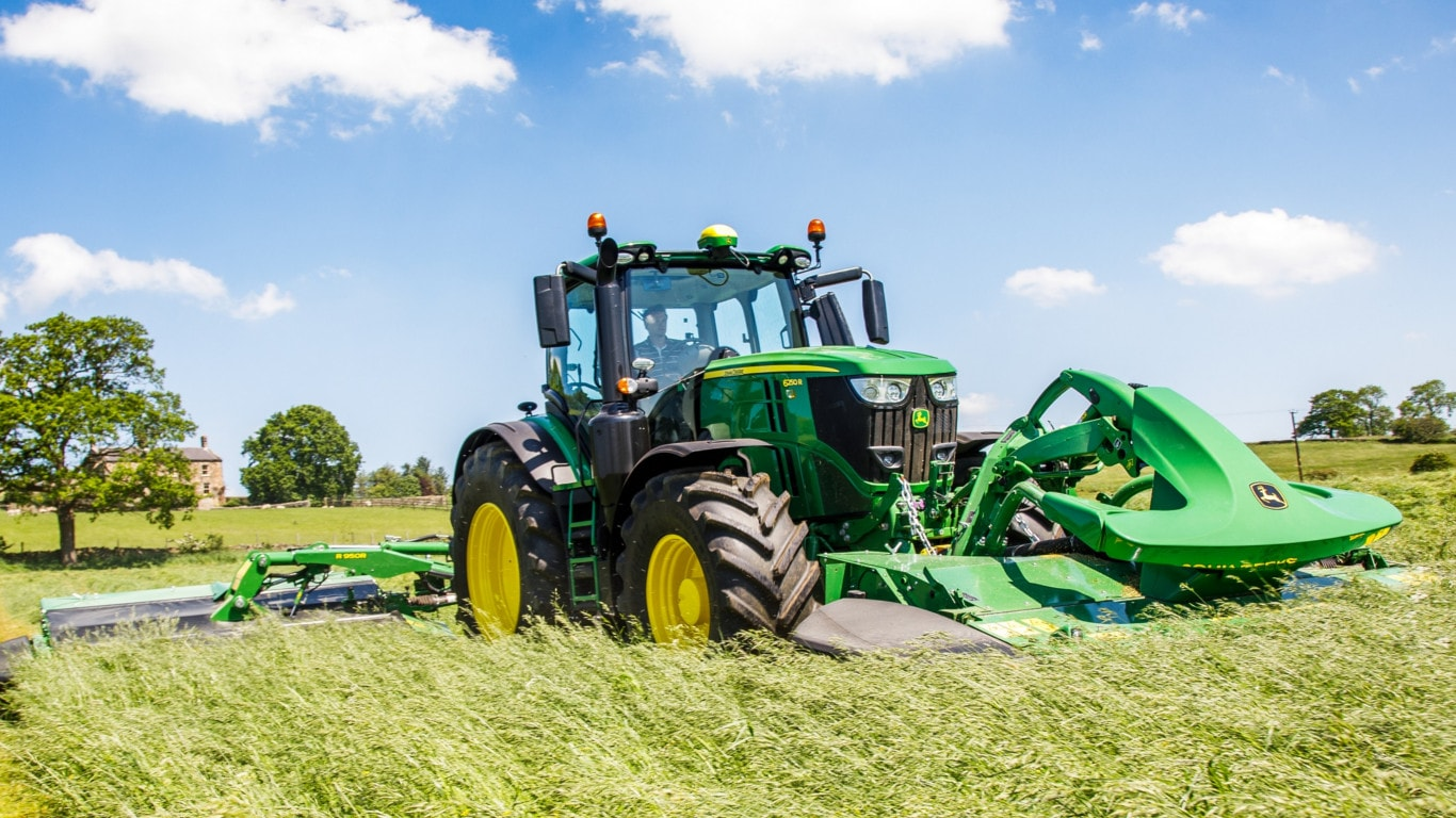 Deere Reports Second-Quarter Net Income of $1.135 Billion